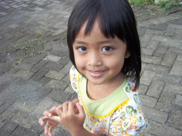 Memotret Ponakan Harus Memotret Hani :)