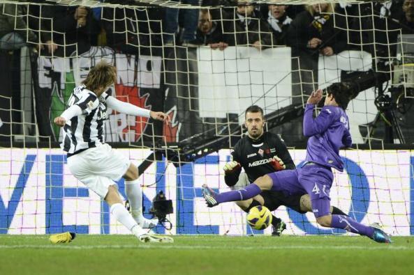 Pemain Bintang Menendang Tanpa Sepatu, Hanya Serie A yang Punya :)