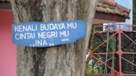 Sebuah Quote di Salah Satu Pohon di Area Bajang Ratu