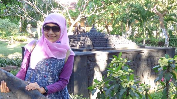 Replika Candi Borobudur, Candi Terbesar di Inonesia & Asia Tenggara (Kalau Saya Tak Keliru)