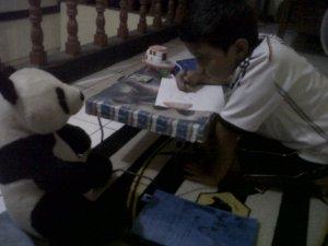 Adek les yang berdialog dengan Panda
